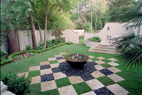 Top 20 landscape designs to improve the curb appeal of for Courtyard landscaping ideas