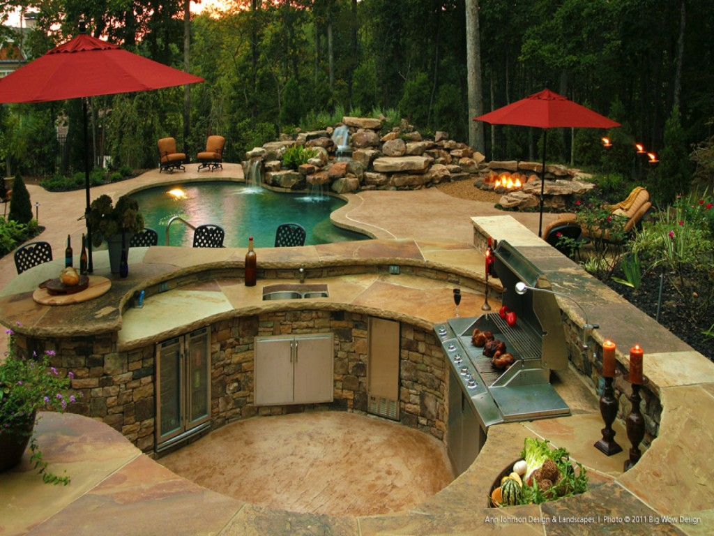 Outdoor kitchen with pool