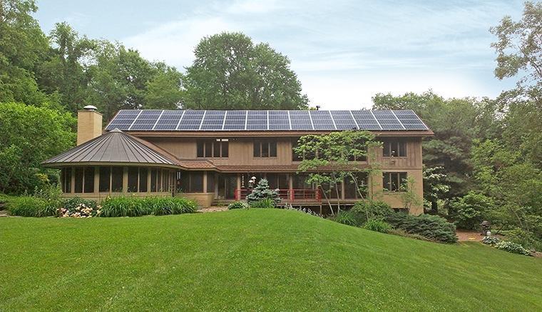Top 15 solar powered home designs plus their costs and for Renewable energy house plans